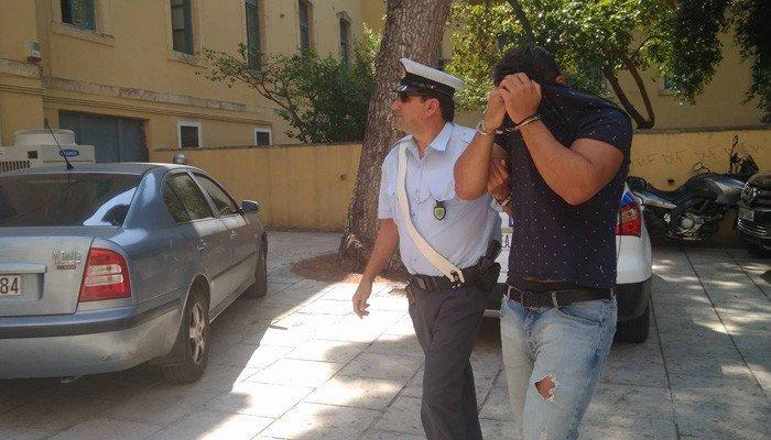 Ελεύθερος ο 20χρονος που παρέσυρε και σκότωσε τους δύο φοιτητές στα Χανιά
