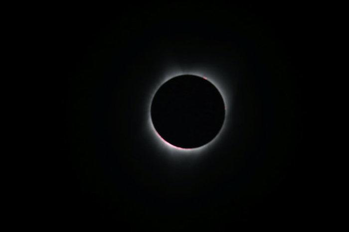 Οι πρώτες εικόνες από την ηλιακή έκλειψη στις 14 πολιτείες των ΗΠΑ - εικόνα 11