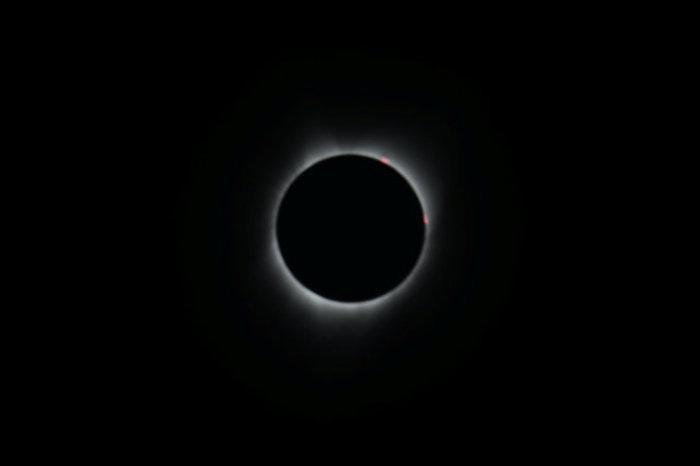Οι πρώτες εικόνες από την ηλιακή έκλειψη στις 14 πολιτείες των ΗΠΑ - εικόνα 12