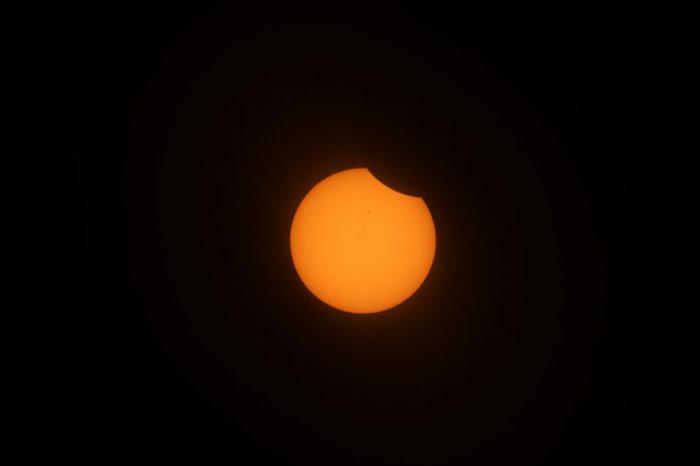 Οι πρώτες εικόνες από την ηλιακή έκλειψη στις 14 πολιτείες των ΗΠΑ - εικόνα 14