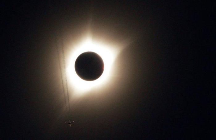Οι πρώτες εικόνες από την ηλιακή έκλειψη στις 14 πολιτείες των ΗΠΑ - εικόνα 13