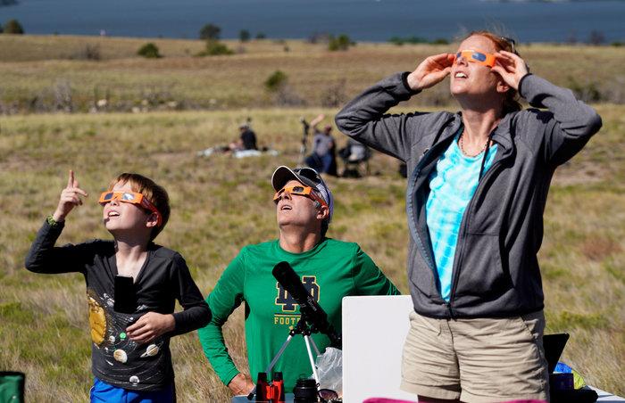 Μαγικές εικόνες του Reuters από την έκλειψη ηλίου στις ΗΠΑ - εικόνα 8