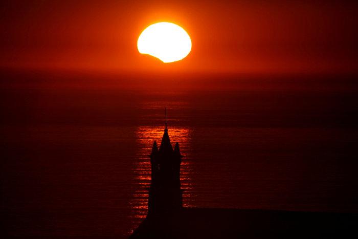 Μαγικές εικόνες του Reuters από την έκλειψη ηλίου στις ΗΠΑ - εικόνα 9