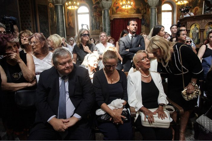 Κηδεία Ζωής Λάσκαρη: Το τελευταίο χειροκρότημα στην αγαπημένη ηθοποιό - εικόνα 29