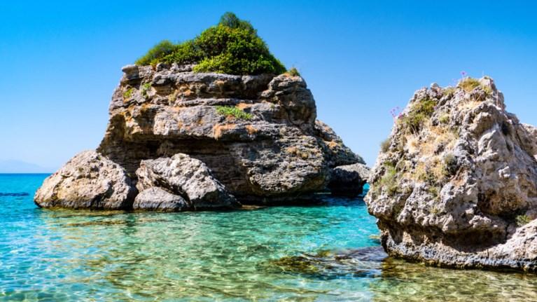 Μια... άγνωστη ελληνική παραλία, η πιο μαγευτική στον κόσμο