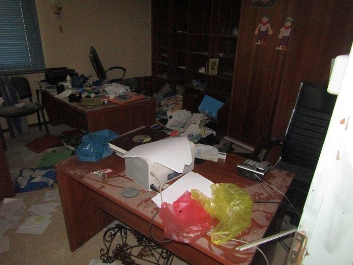 Εσπασαν και έκλεψαν σχολείο που πάνε Ρομά στο Αγρίνιο (φωτό)