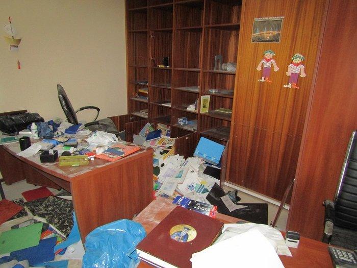 Εσπασαν και έκλεψαν σχολείο που πάνε Ρομά στο Αγρίνιο (φωτό) - εικόνα 3