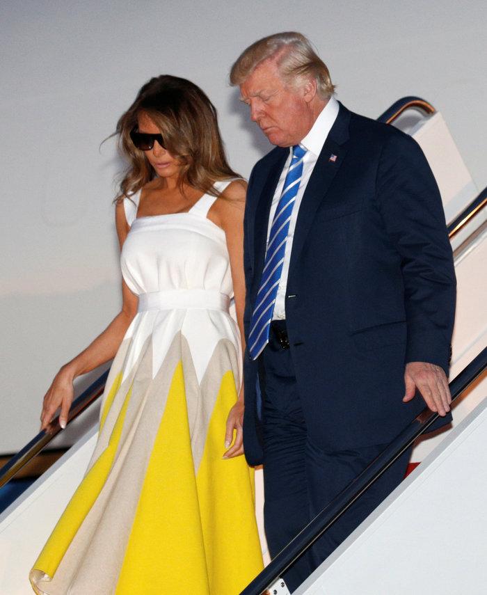 Το απίθανο φόρεμα της Μελάνια Τραμπ που ξεπούλησε μέσα σε λίγες ώρες