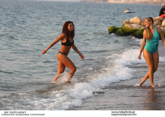 Τα κορίτσια του Survivor στον ήλιο: Κολιδά και Εσκενάζυ παίζουν στην άμμο