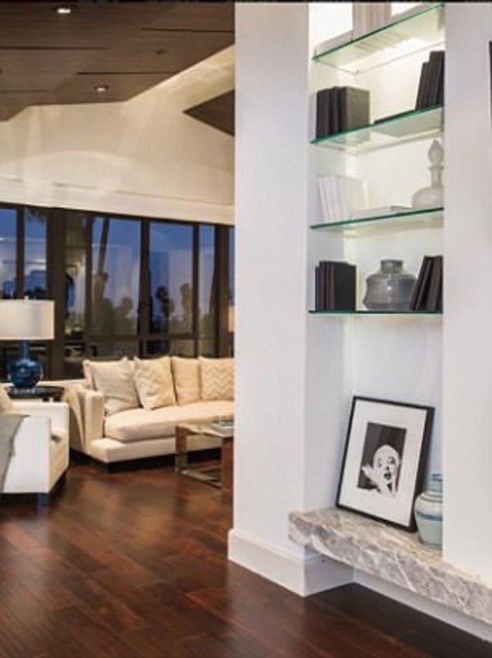 Δείτε την πολυτελή έπαυλη που μόλις αγόρασε η Ριάνα για 6,8 εκατ. δολάρια - εικόνα 4