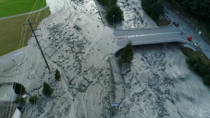 Συγκλονιστικές φωτογραφίες από τις κατολισθήσεις στις Αλπεις - εικόνα 5