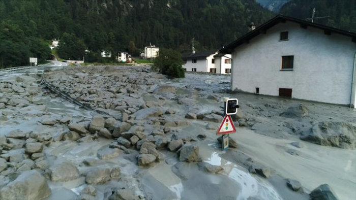 Συγκλονιστικές φωτογραφίες από τις κατολισθήσεις στις Αλπεις - εικόνα 6