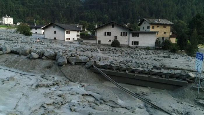 Συγκλονιστικές φωτογραφίες από τις κατολισθήσεις στις Αλπεις - εικόνα 13