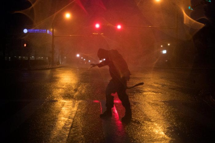 Τα χειρότερα πέρασαν: Αισθητή εξασθένηση του τυφώνα Χάρβεϊ