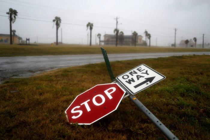 Τα χειρότερα πέρασαν: Αισθητή εξασθένηση του τυφώνα Χάρβεϊ - εικόνα 2