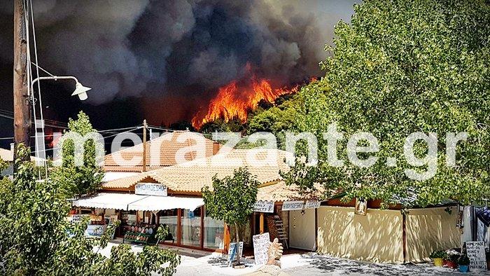 Στιγμές κόλασης στο χωριό Αναφωνήτρια - Η φωτιά πλησιάζει στις Μαριές - εικόνα 3
