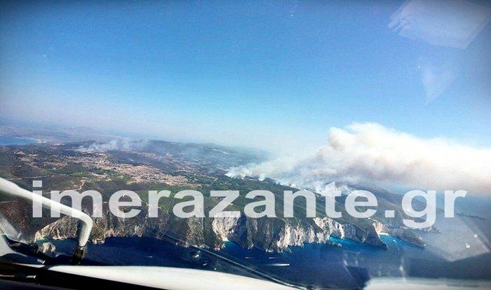 Η μεγάλη πυρκαγιά στη Ζάκυνθο από ύψος 2.000 μ. (φωτο+video)