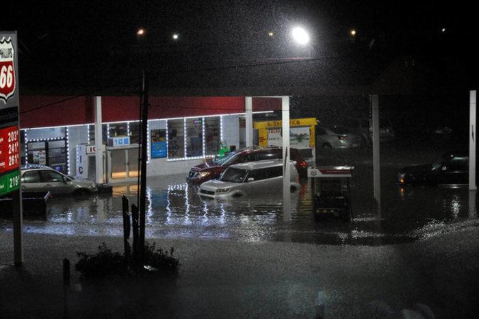 Ο Χάρβεϊ απειλεί με «καταστροφικές» πλημμύρες-Δύο νεκροί - εικόνα 4