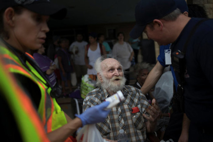 Ο Χάρβεϊ απειλεί με «καταστροφικές» πλημμύρες-Δύο νεκροί - εικόνα 6