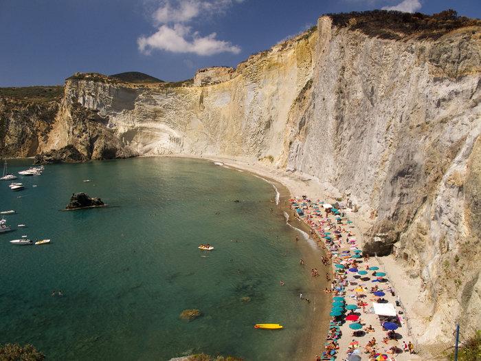Οι εντυπωσιακότερες βραχώδεις παραλίες διεθνώς. Κόβουν ανάσες - εικόνα 10