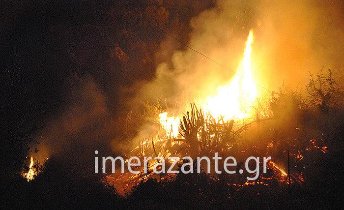 Εφιάλτης στις Μαριές: Κάηκε σπίτι-Περικύκλωσαν το χωριό οι πυροσβέστες - εικόνα 2