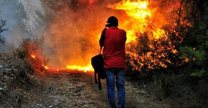 Εφιάλτης στις Μαριές: Κάηκε σπίτι-Περικύκλωσαν το χωριό οι πυροσβέστες - εικόνα 4