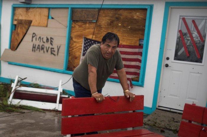 Tρομακτικές οι καταστροφές από τον Χάρβεϊ - Στο Τέξας ο Τραμπ - εικόνα 5