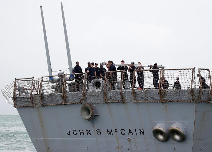 Eντοπίστηκαν οι σοροί των 10 ναυτικών του USS McCain
