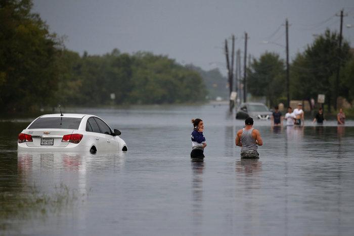 Πλωτές... πόλεις στο Τέξας μετά τον τυφώνα Χάρβεϊ [ΕΙΚΟΝΕΣ] - εικόνα 6