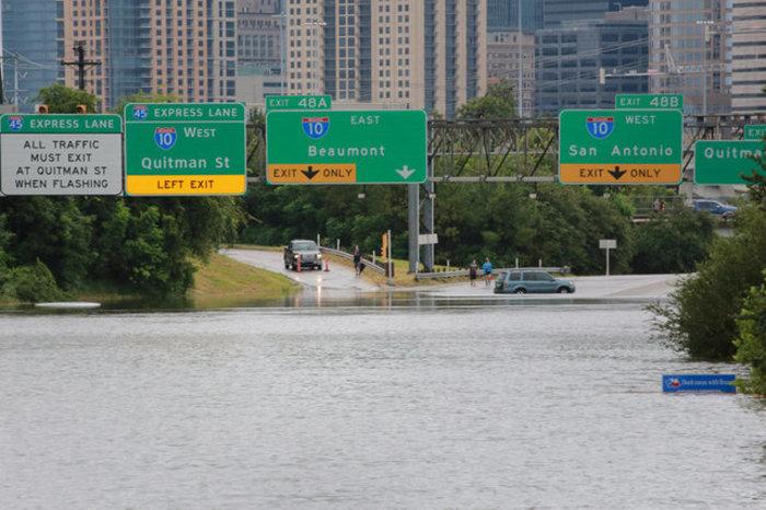 Τουλάχιστον οκτώ νεκροί και απέραντη καταστροφή στο Τέξας [ΕΙΚΟΝΕΣ] - εικόνα 13