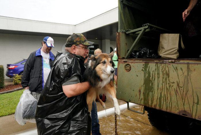 Τουλάχιστον οκτώ νεκροί και απέραντη καταστροφή στο Τέξας [ΕΙΚΟΝΕΣ] - εικόνα 19