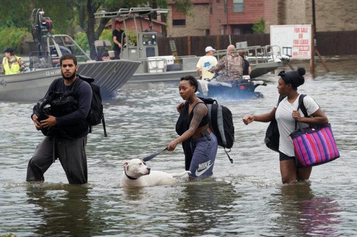Τυφώνας Χάρβεϊ: Σε καταφύγιο 30.000 άνθρωποι, 450.000 χρειάζονται βοήθεια - εικόνα 20