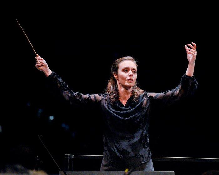 Ζ. Ζενιώδη:Η πρώτη Ελληνίδα μαέστρος της Ελληνοτουρκικής Ορχήστρας στο TOC - εικόνα 2