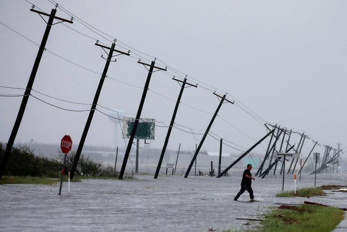 Τουλάχιστον οκτώ νεκροί και απέραντη καταστροφή στο Τέξας [ΕΙΚΟΝΕΣ] - εικόνα 2