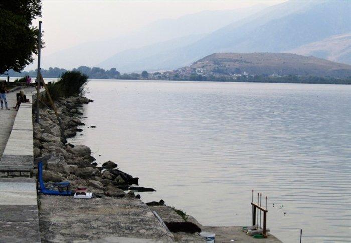 Απίστευτο: Στεγνώνει η λίμνη Ιωαννίνων λόγω ανομβρίας - εικόνα 5