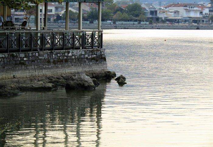 Απίστευτο: Στεγνώνει η λίμνη Ιωαννίνων λόγω ανομβρίας - εικόνα 6