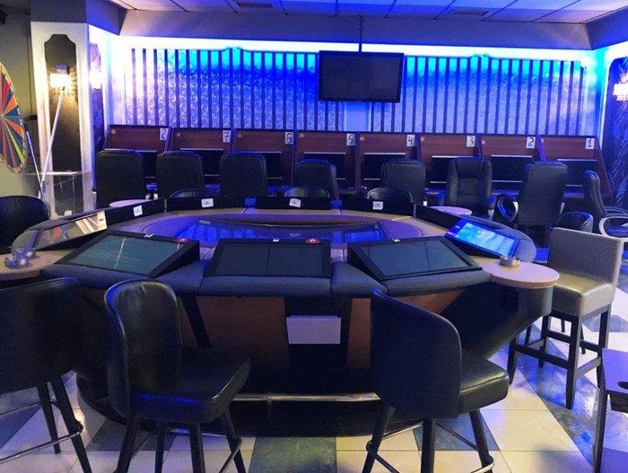 Βρήκαν σούπερ λούξ...παράνομο καζίνο στον Νέο Κόσμο φωτό - εικόνα 3