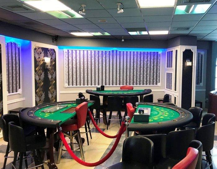 Βρήκαν σούπερ λούξ...παράνομο καζίνο στον Νέο Κόσμο φωτό