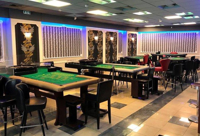 Βρήκαν σούπερ λούξ...παράνομο καζίνο στον Νέο Κόσμο φωτό - εικόνα 2