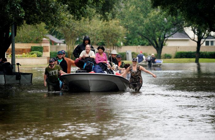 Ερχονται χειρότερες πλημμύρες στο Τέξας, 11 νεκροί-Απειλείται η Λουιζιάνα - εικόνα 2