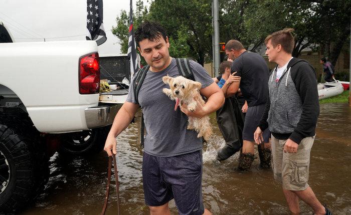 Ερχονται χειρότερες πλημμύρες στο Τέξας, 11 νεκροί-Απειλείται η Λουιζιάνα - εικόνα 4