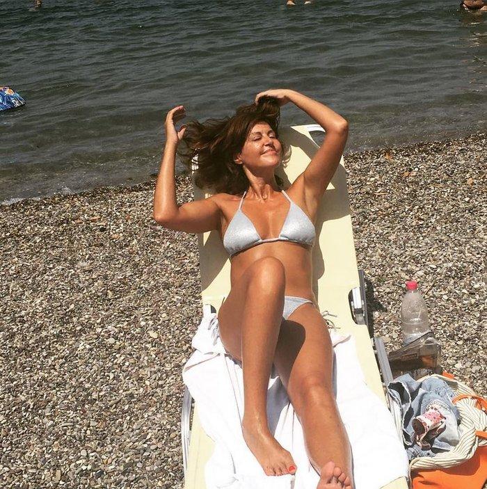 Η Αλεξάνδρα Παλαιολόγου γιορτάζει με σικ και σέξι διάθεση [φωτο] - εικόνα 4