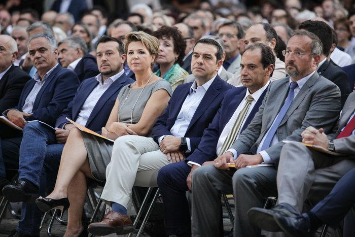 Ο Τσίπρας εξαγγέλλει τη δική του «επανίδρυση» του κράτους