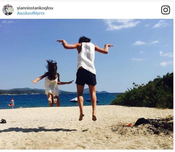 Οι τρυφερές φωτογραφίες του Γ. Στάνκογλου με την κόρη του στην παραλία - εικόνα 2