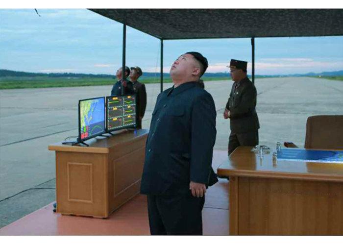 Πολεμικό σκηνικό: πύραυλοι από τον Κιμ, tweets από τον Τραμπ - εικόνα 3