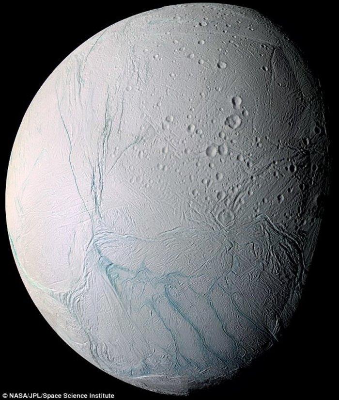 Ο Cassini σε μια τελευταία βουτιά στους δακτυλίους του Κρόνου - εικόνα 2