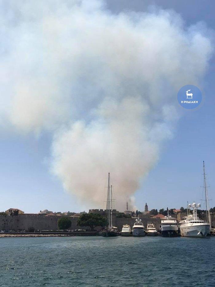 Φωτιά κοντά σε κατοικημένη περιοχή ξέσπασε στη Ρόδο - εικόνα 8