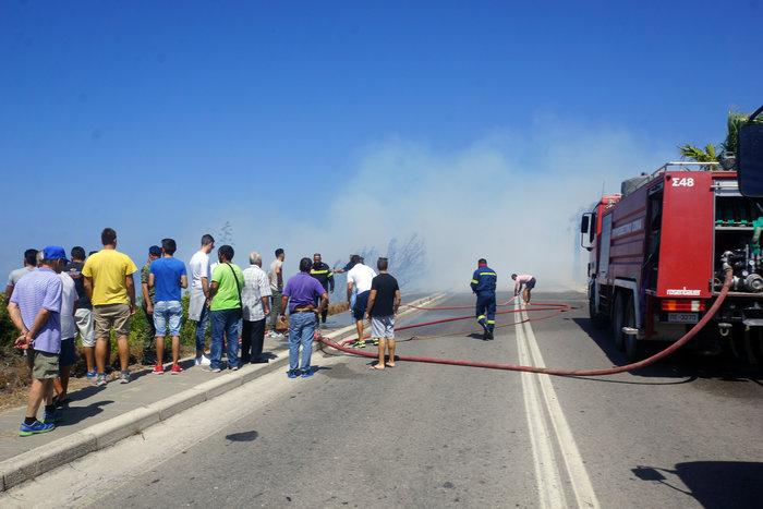 Φωτιά κοντά σε κατοικημένη περιοχή ξέσπασε στη Ρόδο - εικόνα 10