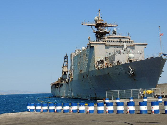 Ξενάγηση σε αμερικανικό πολεμικό πλοίο χάρις σε έναν ευγενή καπετάνιο - εικόνα 2
