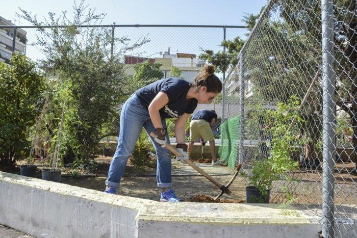 Η εθελοντική δράση υπότροφων του προγράμματος Angelopoulos 100 στην Γκράβα - εικόνα 3
